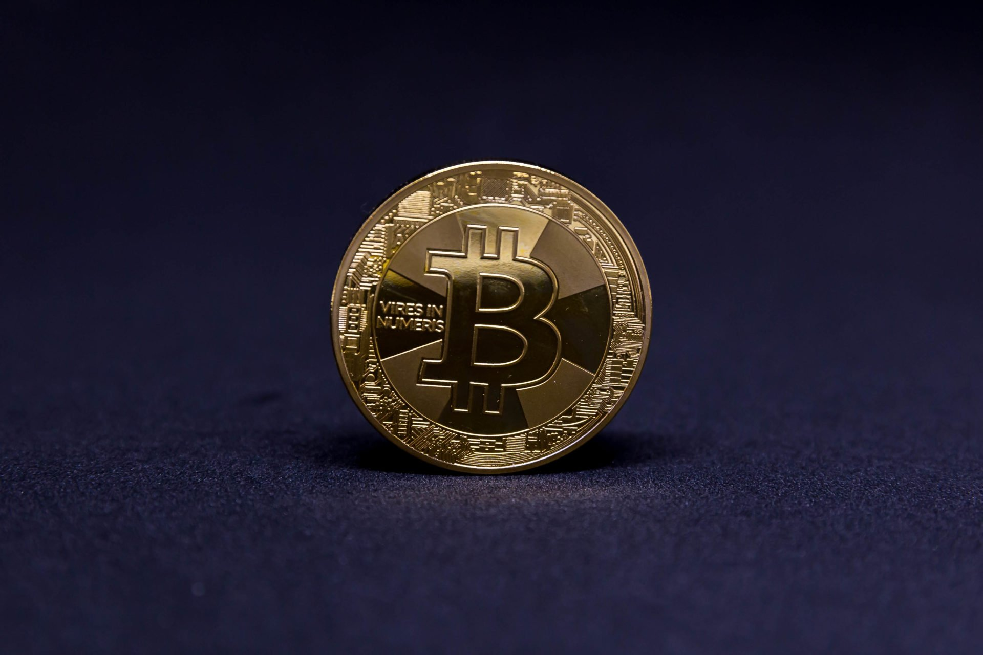 Bitcoin faces G20 finance ministers meeting test and Mt.Gox selling as price slips under $9,000 17
