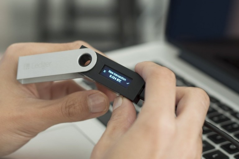 Ledger Wallet Desktop Edition is a great news for those who prefer more traditional ways to store their cryptos