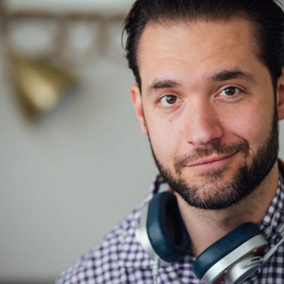 Reddit's Cofounder Alexis Ohanian Keeps His Prediction: BTC at 20k and ETH at 1.5k by 2018 Are His Bets 13