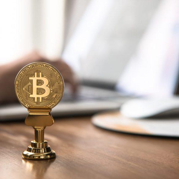 Bitcoin Remains Range-Bound At $7,000, Analysts Bearish 15