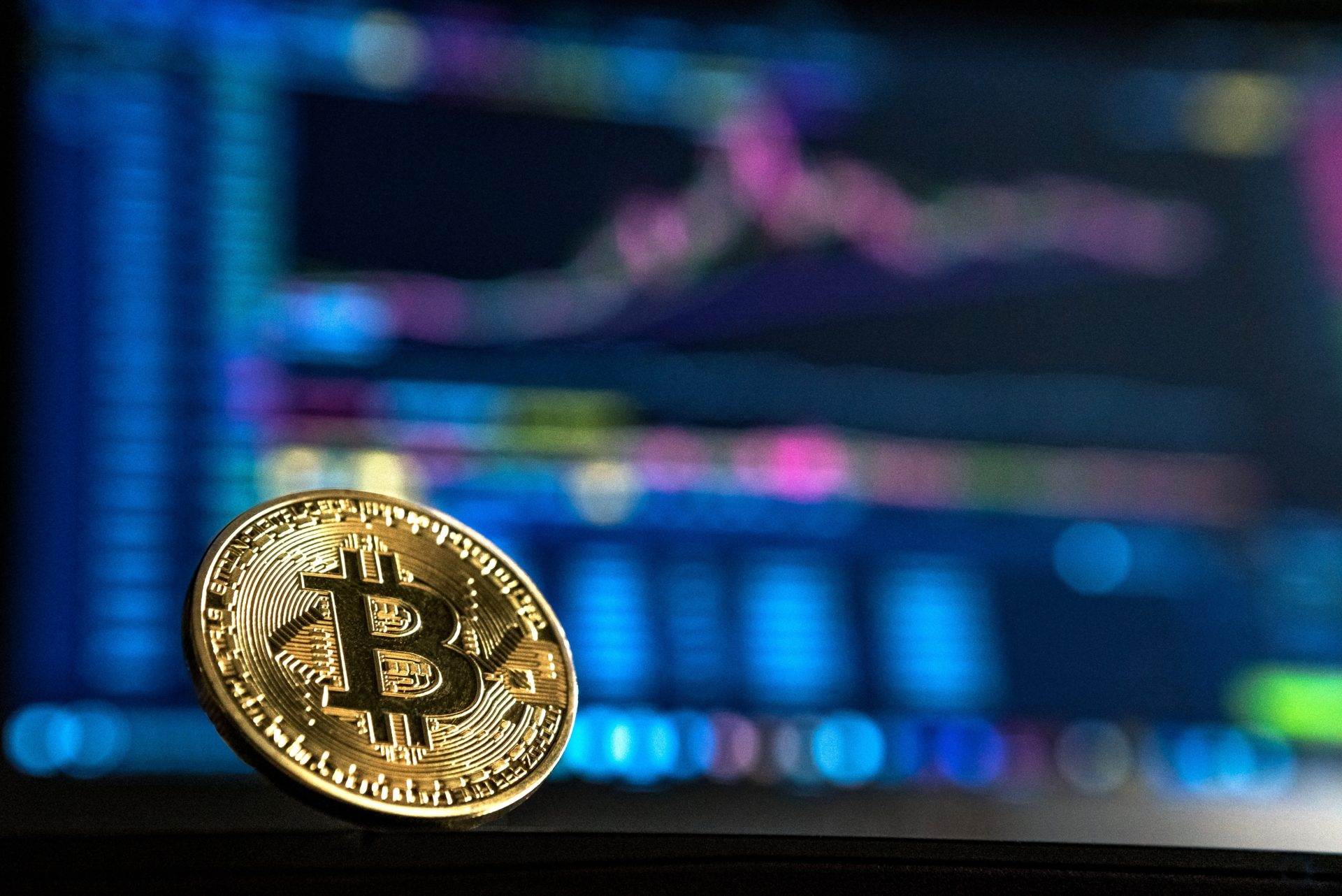 Bitcoin (BTC) Falls To $6900 In Market Drop, Analysts Call For Lower Prices 13