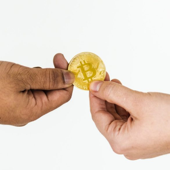 John McAfee: Centralized Exchanges Will Disappear, DEXs Will Drive Crypto 16