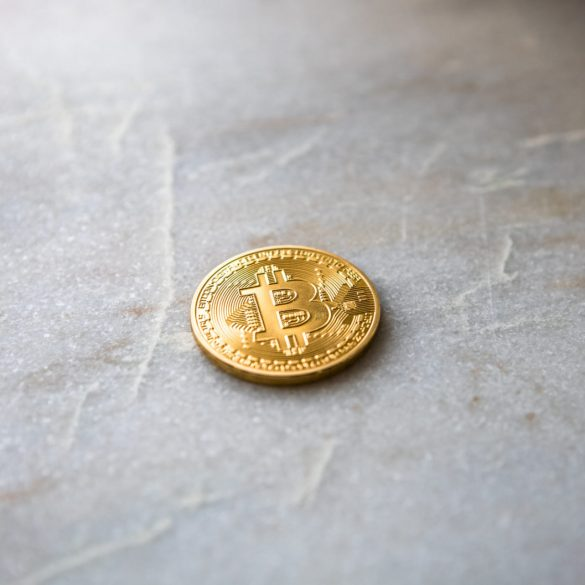 ABC's Shark Tank Investor Links Bitcoin (BTC) To Real Estate, Says It will Eliminate Banks. 14