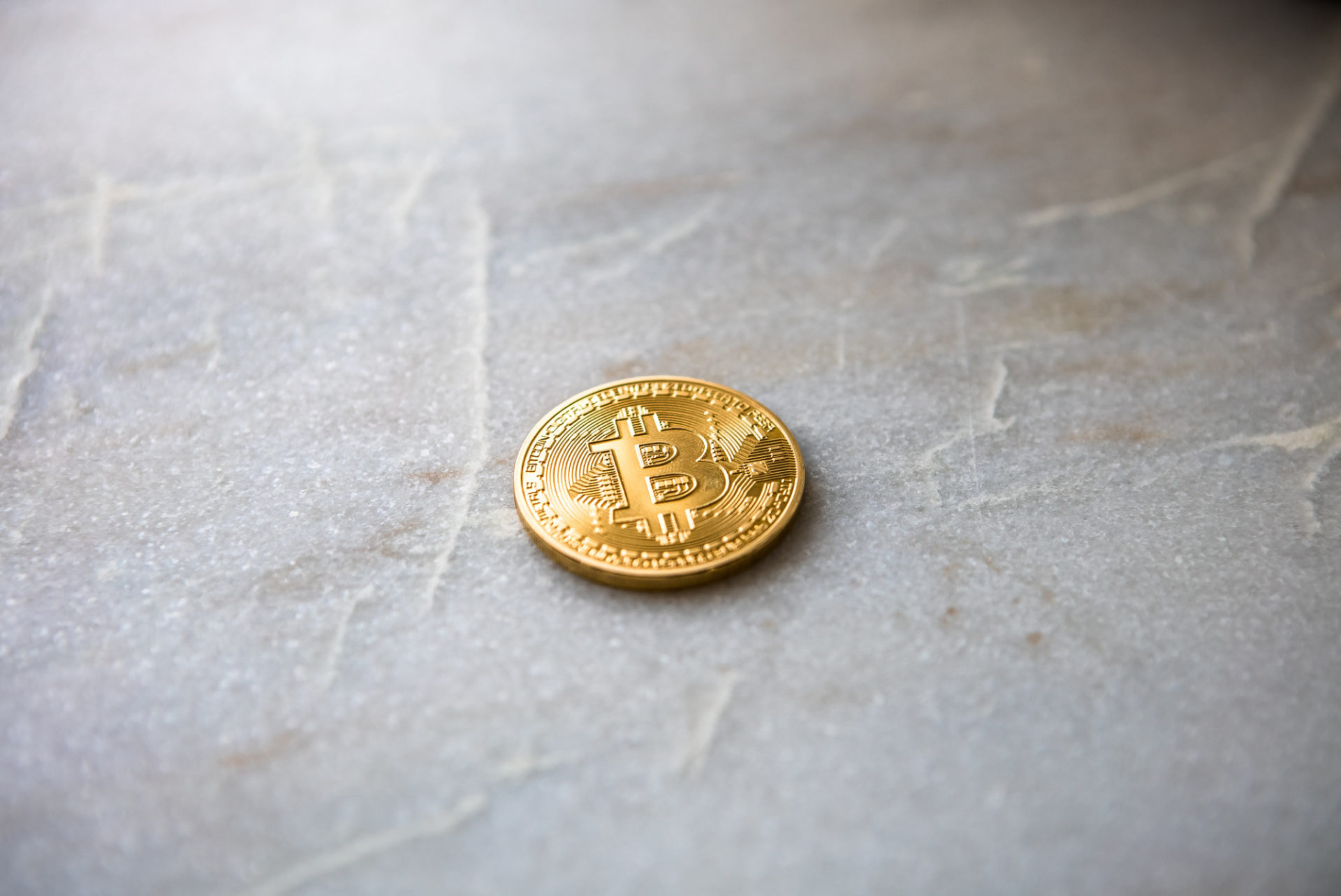 Bitcoin (BTC) Falls Under $3,900, Crypto Exchange CEO Unfazed 13