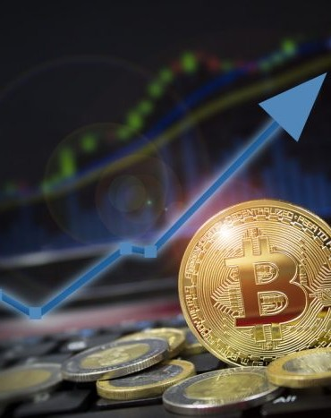 Bitcoin Price Live: Massive One Hour Candle Takes BTC Above $4,000 19
