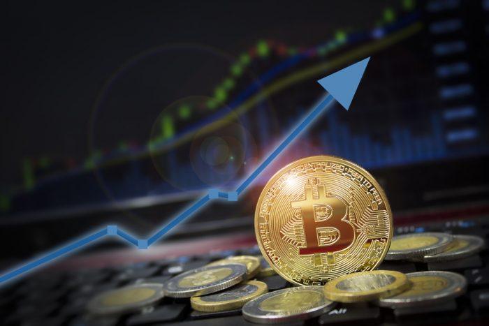 Bitcoin (BTC) Tops $3,800 — Santa Claus Rally Imminent? 13
