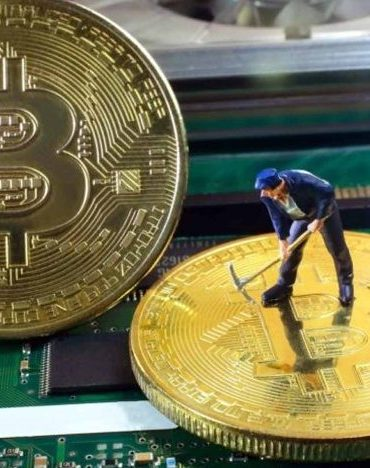 Bitcoin (BTC) Mining Difficulty Is Decreasing But Miners Are Switching Off – What's Going On? 16