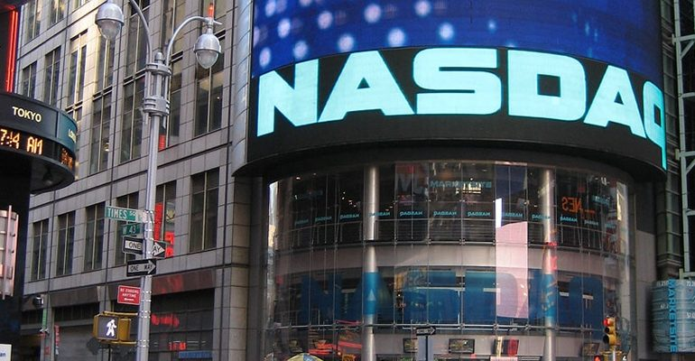 Analyst 'Trades' Bitcoin (BTC) Through Nasdaq: What's The Deal? 14