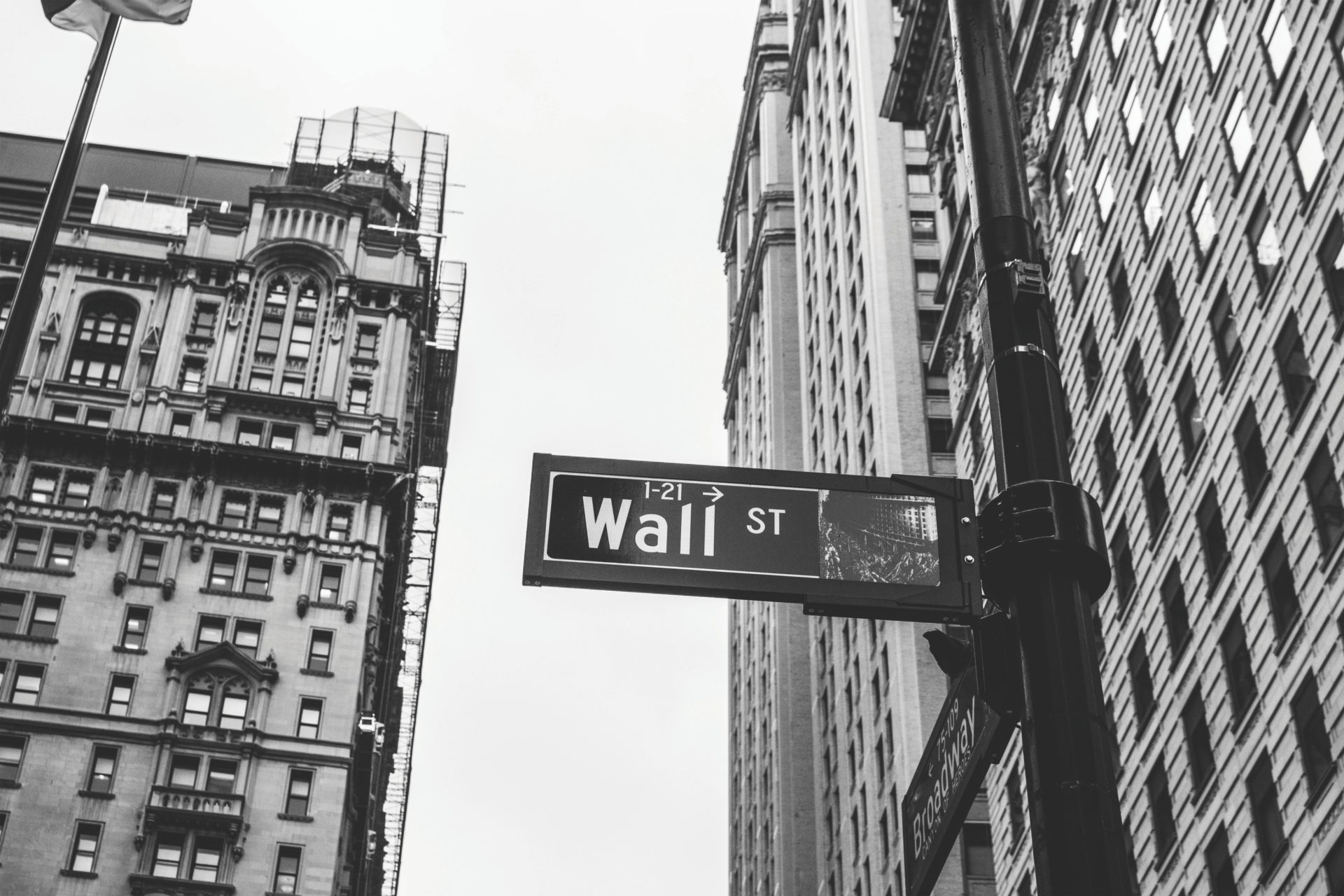 JP Morgan Analyst Calls For Wall Street Foray As Bitcoin (BTC) Stabilizes At $3,400 13
