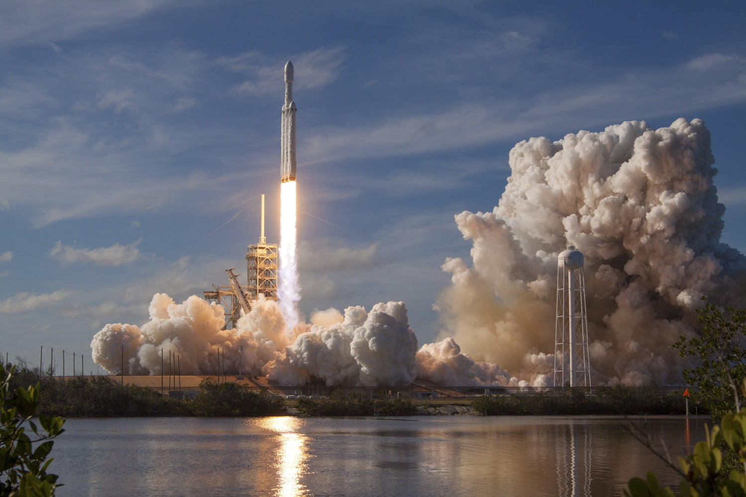 Bitcoin (BTC) rockets above $4,000 as positive newsflow encourages bulls 13