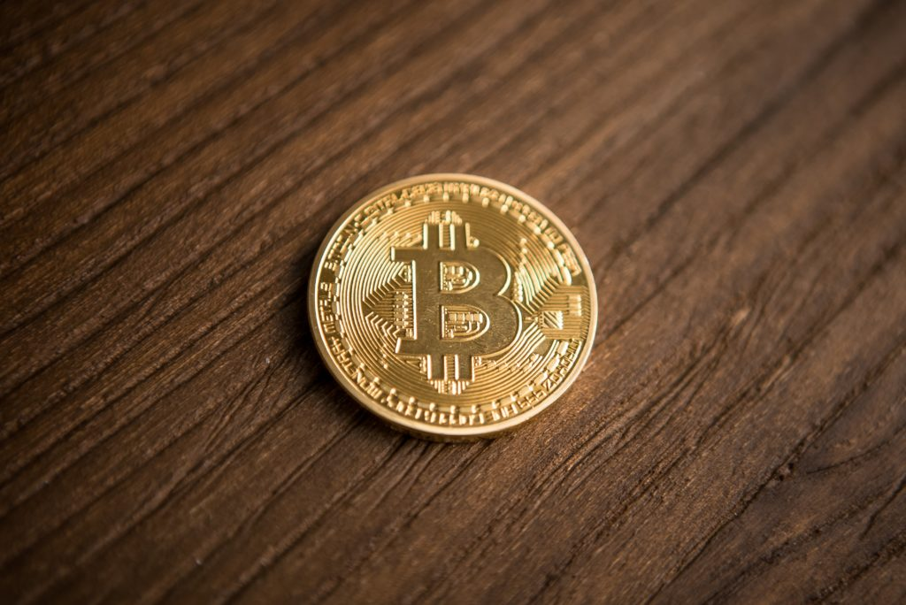 Crypto Bulls On Alert As Bitcoin (BTC) Flip-Flops Around $4,000