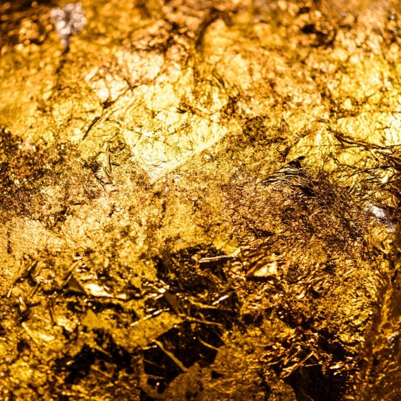 Max Keiser Bares Fangs, Challenges Bitcoin Naysayers With Digital Gold Argument 13