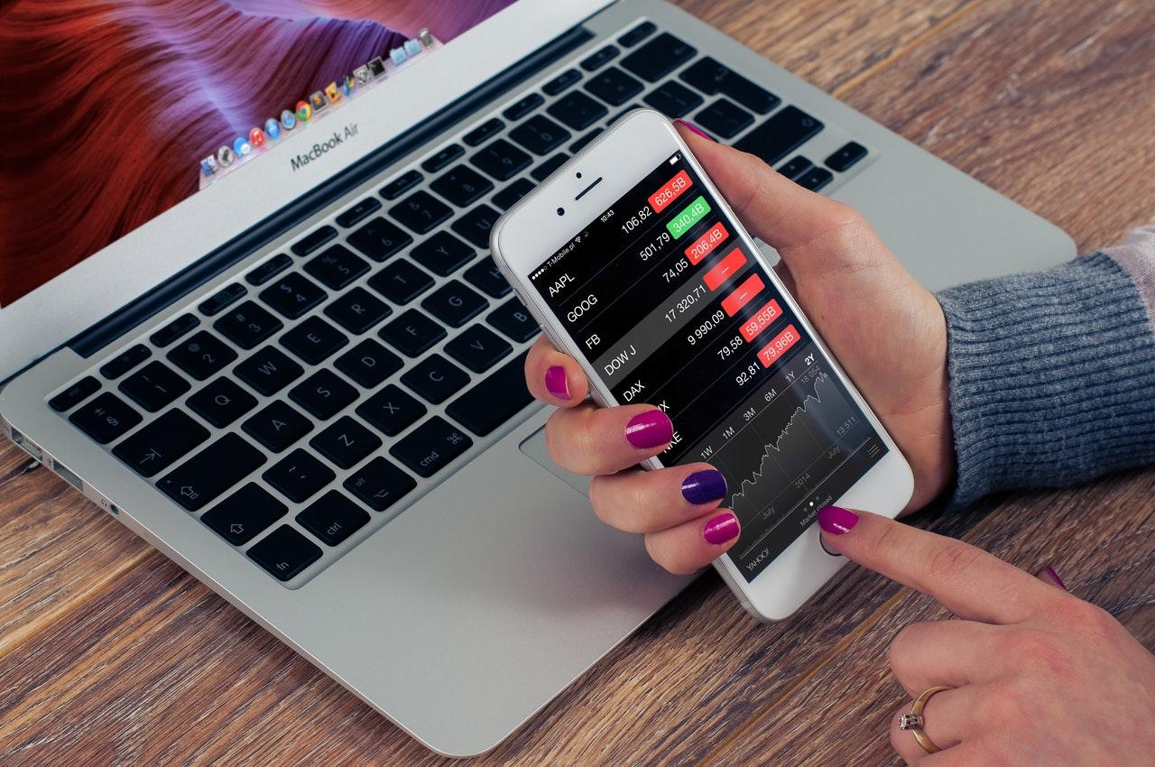 CoinMarketCap Index Bloomberg Nasdaq