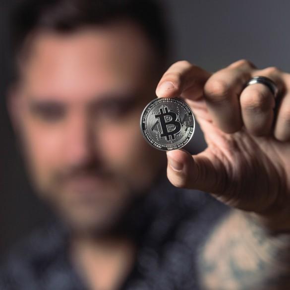 Amazon Rakuten Cryptocurrency 2019