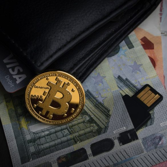 Bitcoin-Western Union Drug Sellers Nailed in NY, First BTC Money Laundering Case Recorded in Area 13