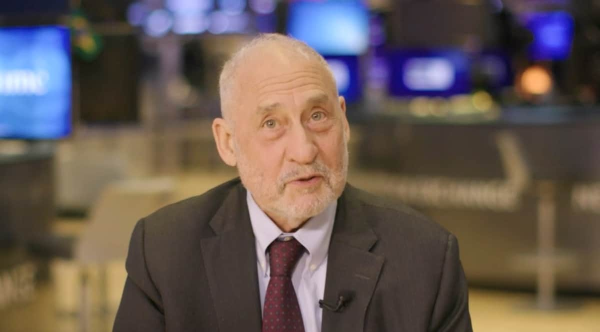 "Crypto Should be ""Shut Down,"" Nobel Prize Economist Says 13"