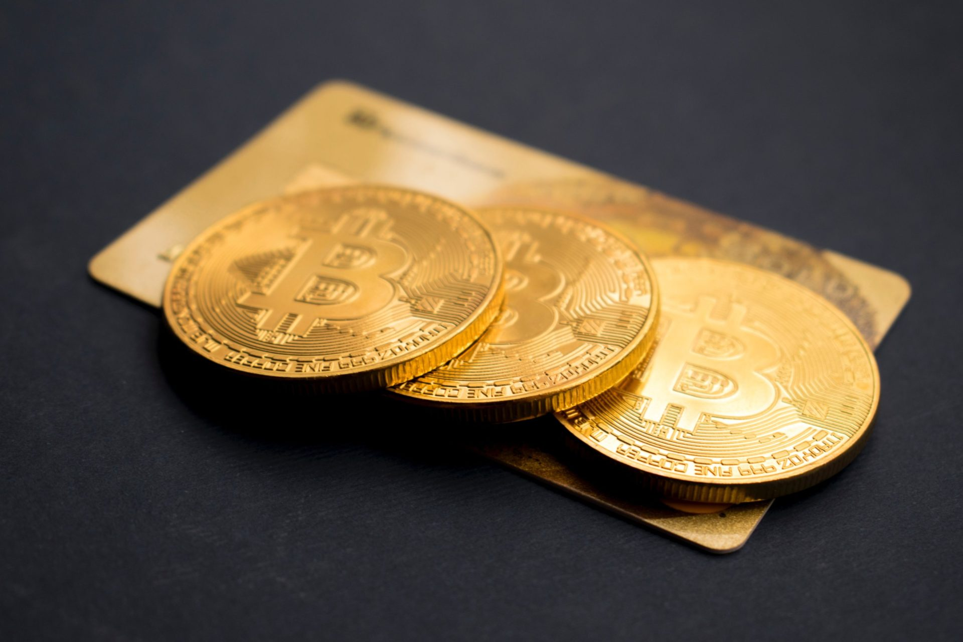 Bitcoin (BTC) Is Looking Like Gold Prior To Parabolic Explosion: Analysts 13