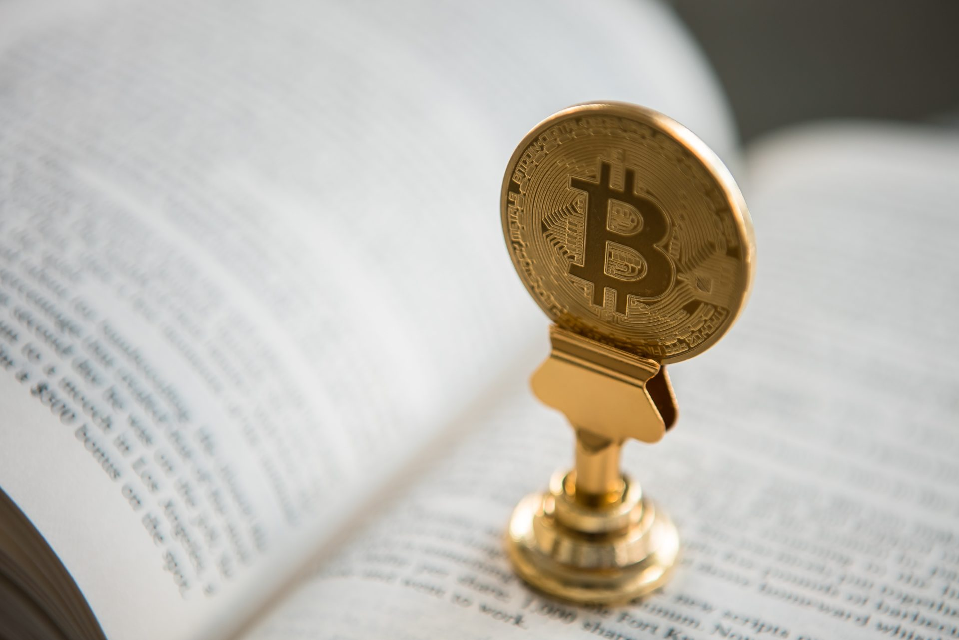 Analyst: Bitcoin (BTC) Closing Weekly Above $11,500, Sets Stage for 20% Boom 13